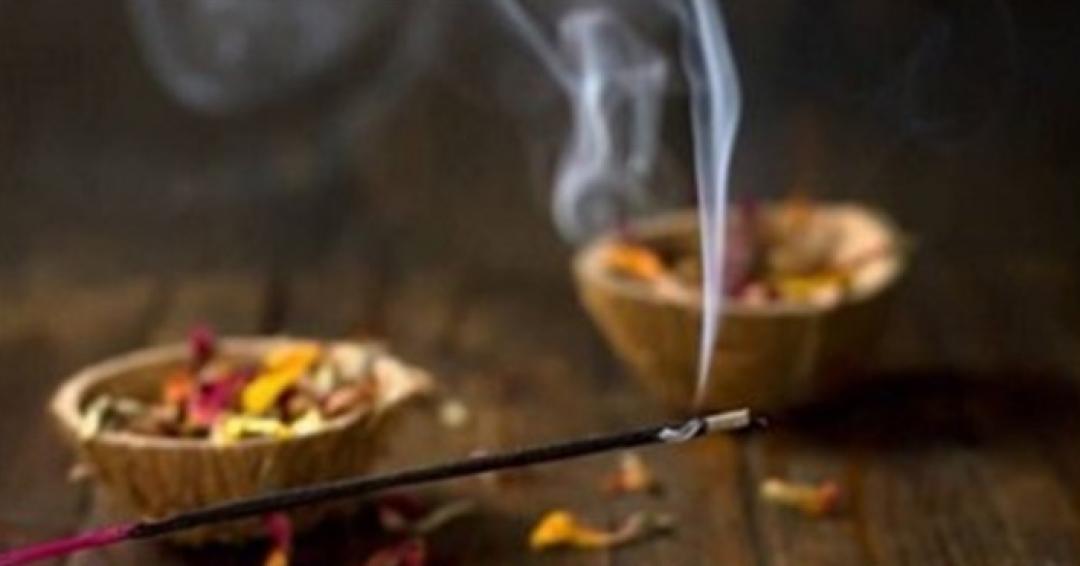 اهمیت عطر در ادیان الهی